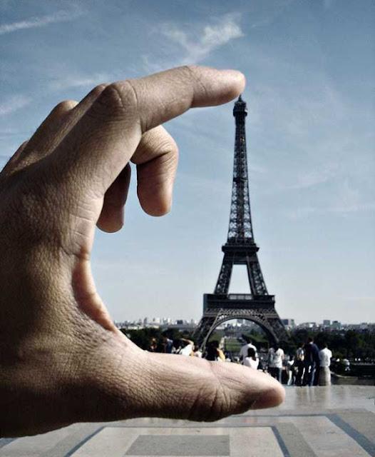 Small-Eiffel-Tower-Illusion-newopticalillusions-com